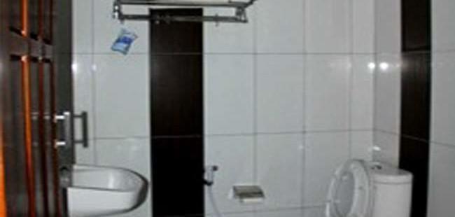 bathroom-rumah-kayu